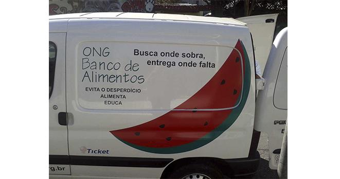 17/07/2013 - Instituto Cimas entrega doações para ONG Banco de Alimentos.